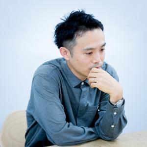 筧 康明(かけひ・やすあき)